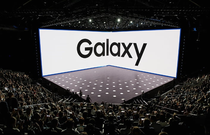 How Samsung Unpacked the Galaxy Note8 main1